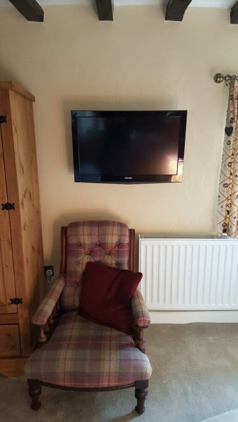 Tv fitted onto the wall all hidden cables #liveinstall https…