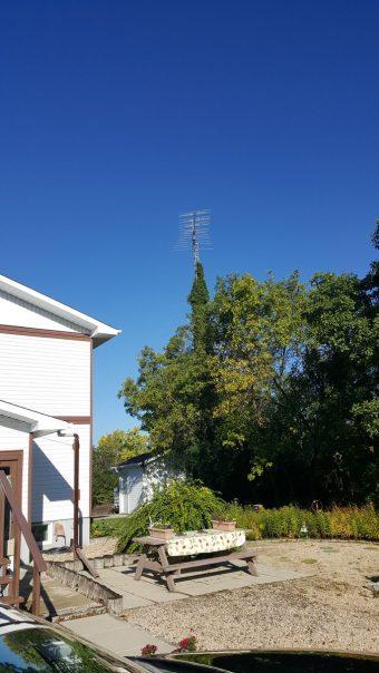 Out in @ExploreCanada notice all aerials on 30ft masts https…