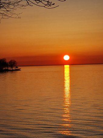 Sunset over Niagara on the lake. Canada https://t.co/fPIanyE…