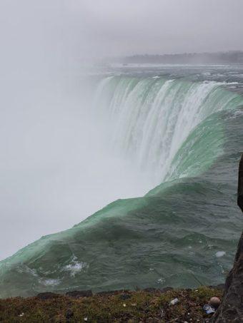 Niagara Falls!! https://t.co/gl3v8jzWYQ